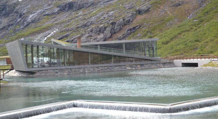 nowoczesny budynek, woda, dom, góry